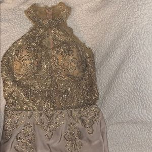 PROM/FANCY event dress. Size m. Good condition.